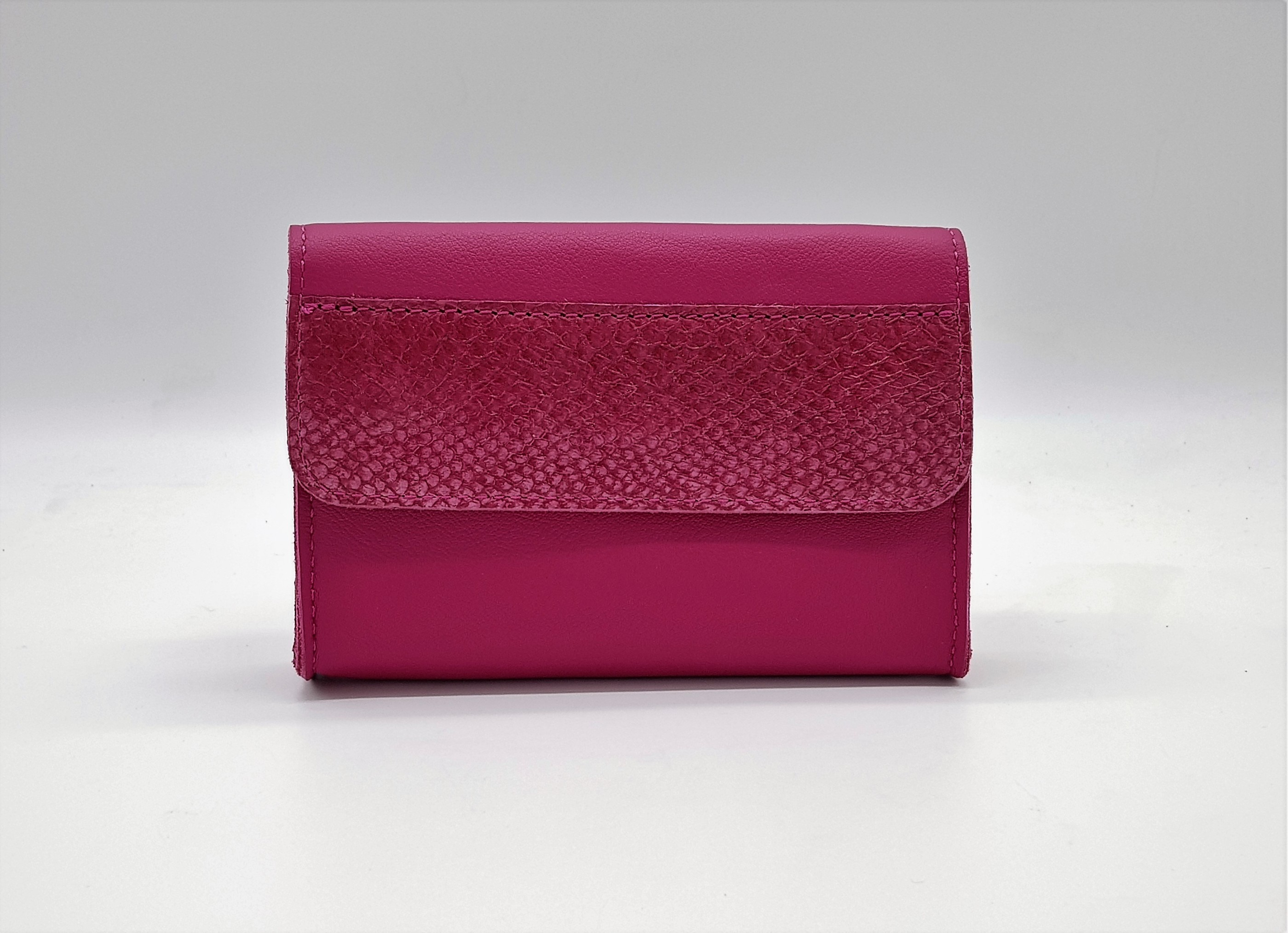 Beltissimo Raspberry Clutch